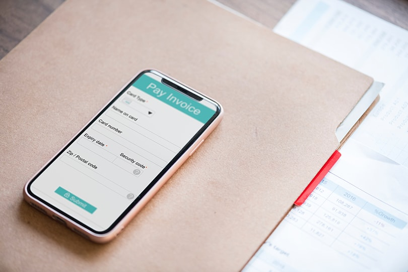 It's time to invoice on the go