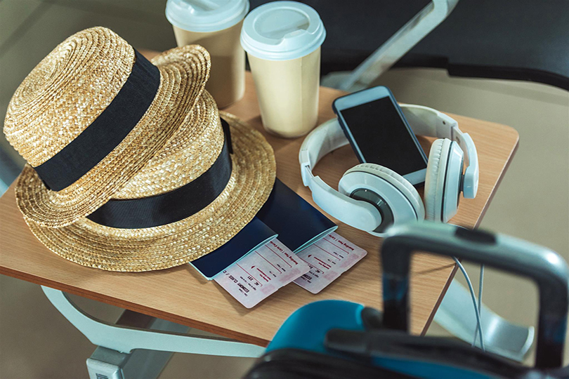 Tips for your holiday: how to manage your funds while travelling