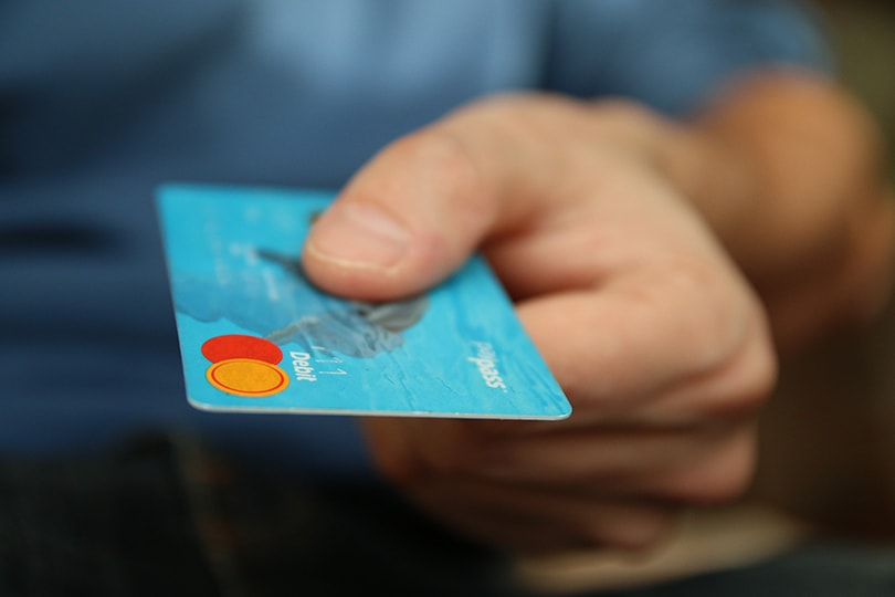Reasons to consider using a prepaid card